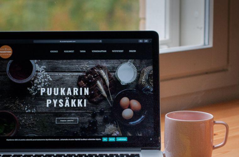 Etätyö Majatalo Puukarin Pysäkillä
